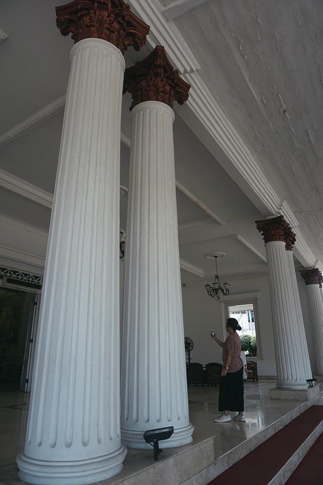 Tiang Rumah Oei Tiong Ham Semarang - Astri Apriyani